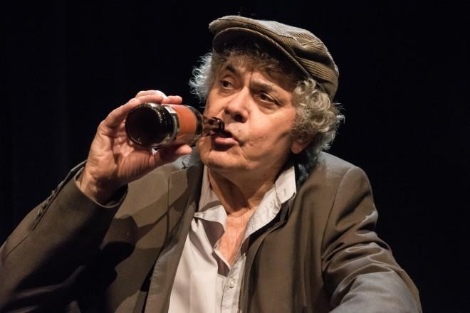 Rouge banane Théâtre-Braises de mémoires-Gaston 2-2019-Photo Martin Stahl